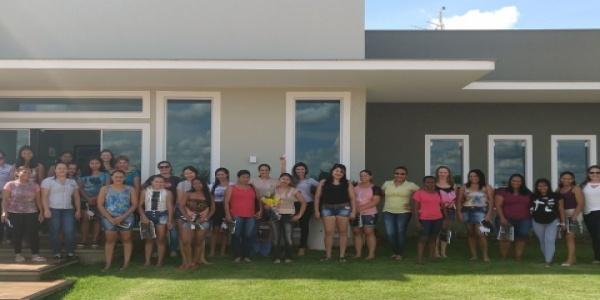 A Fazenda Seis Amigos realiza uma comemoração ao dia internacional da mulher